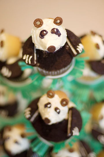 birthday-cupcakes-top-panda.jpg