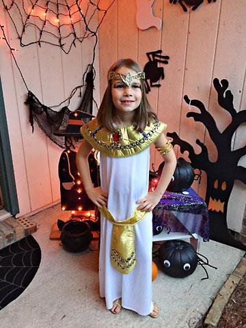 fall-halloween-cleopatra.jpg