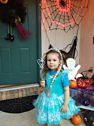 fall-m-hallowee-elsa.jpg
