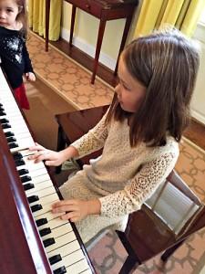 holiday inn b piano