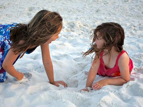 beach lion roar girls