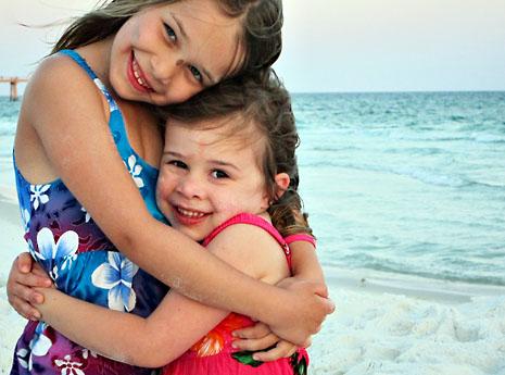 beach sister hug 2